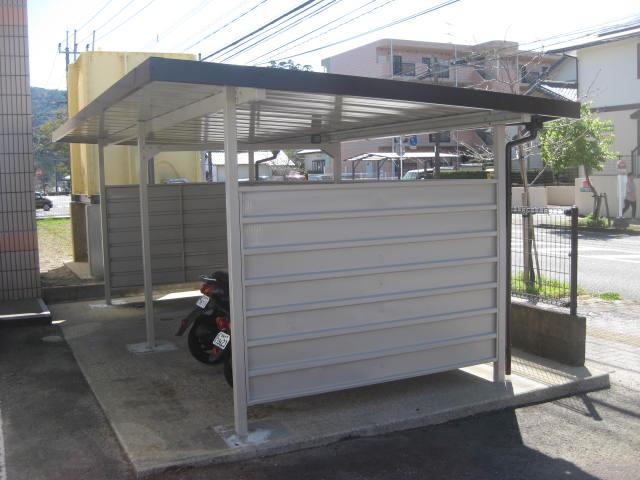 マンションの駐輪場塗装